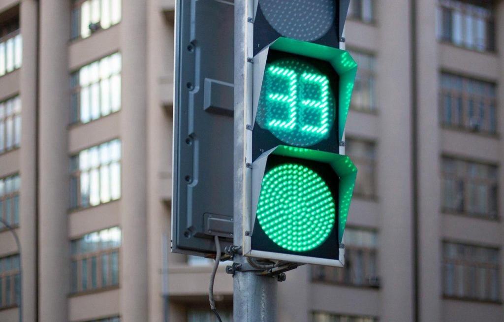 В ВАО оптимизировали работу светофоров на четырех переходах
