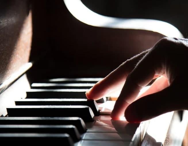 Для жителей проведут онлайн мастер-класс по вокалу